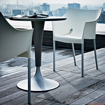 Kartell - Fauteuil Dr. No et table Dr. Na