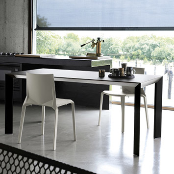 Table Nori et chaise Plana